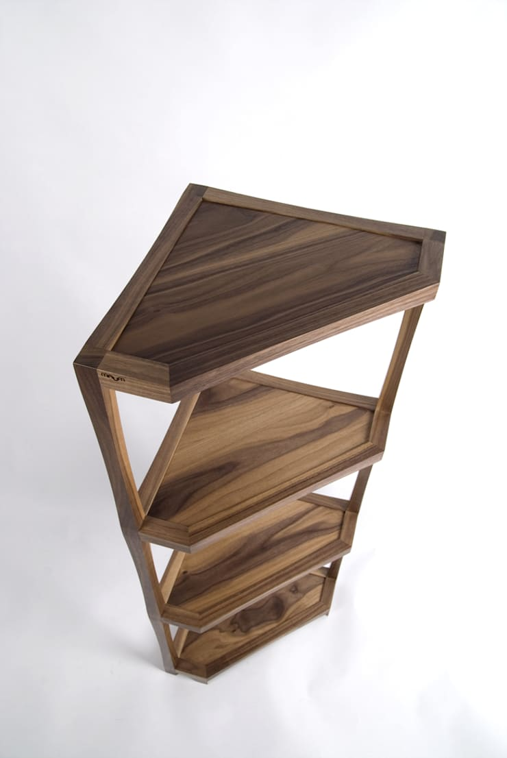 CONER SHELF: Woodstudio MAUM의 현대 ,모던