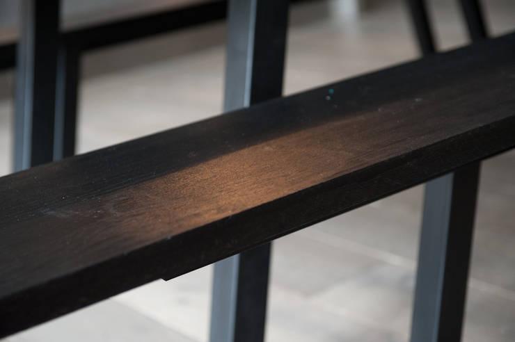Table Boissière: Salle à manger de style  par AdrianDucerf-Mobilier
