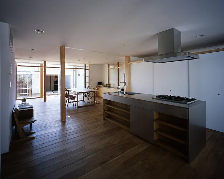 宇佐の家: 俵・小畠建築設計事務所  / Tawara・Obatake Architect & Associatesが手掛けたキッチンです。