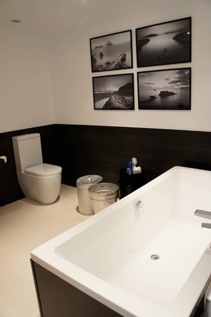 Apartamento Ibiza: Baños de estilo  de Isa de Luca