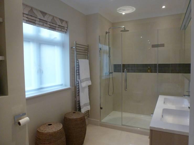 Bathgate Shower Room:  Bathroom by Rachel Angel Design