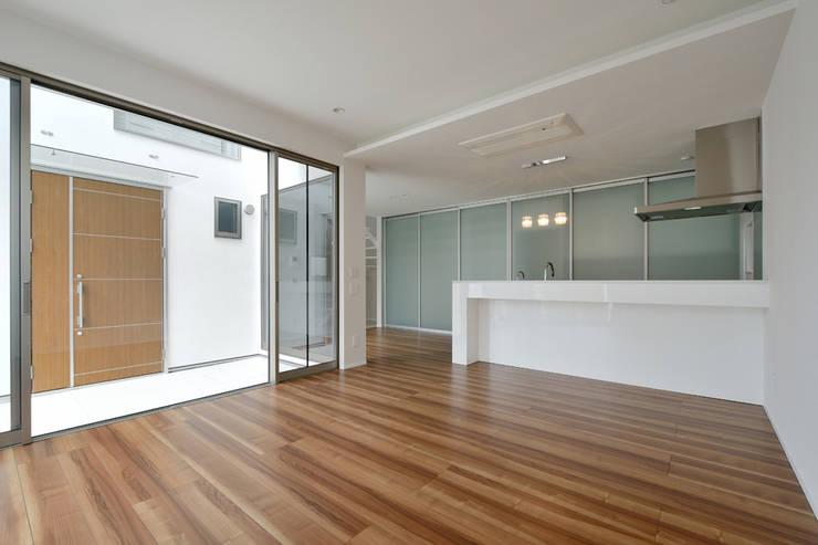 Luce: KOB建築設計事務所が手掛けた家です。