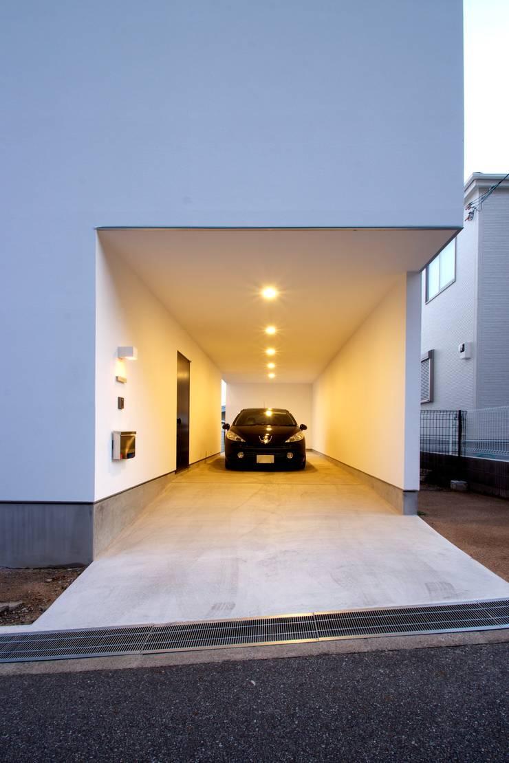 アプローチ: SeijiIwamaArchitectsが手掛けた家です。
