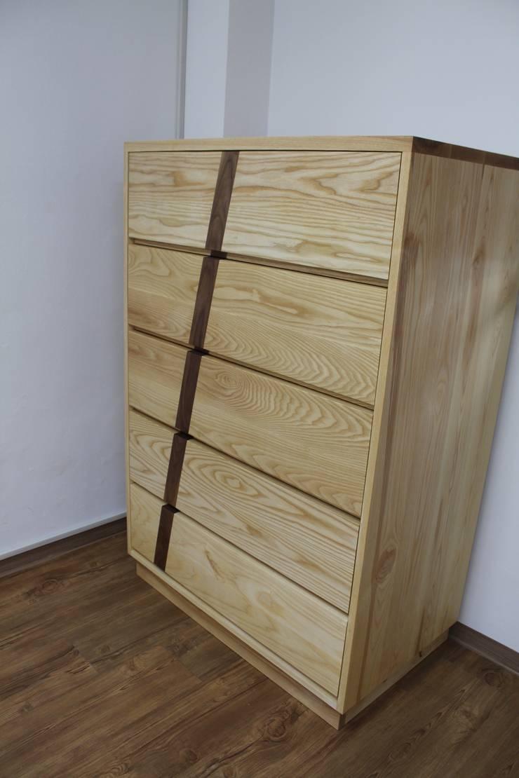 디자인  5단 서랍장: woodpage3의  드레싱 룸