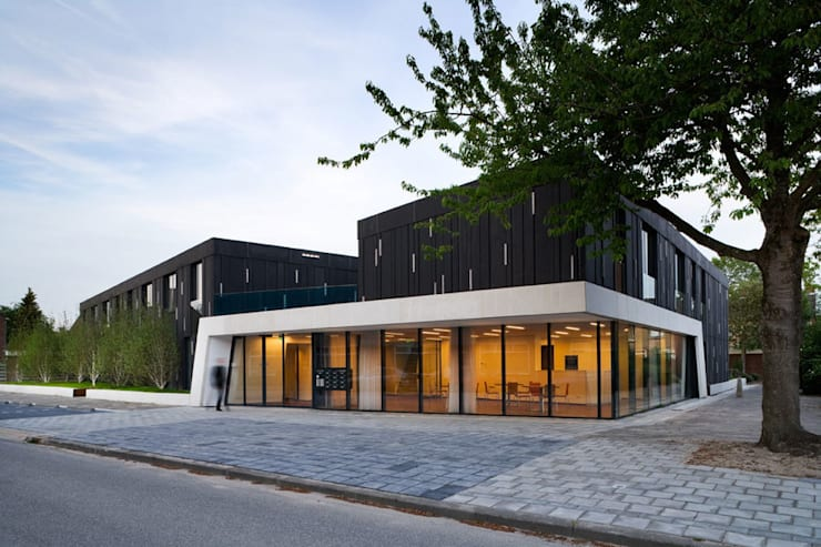 Protected housing:  Huizen door Möhn + Bouman architects