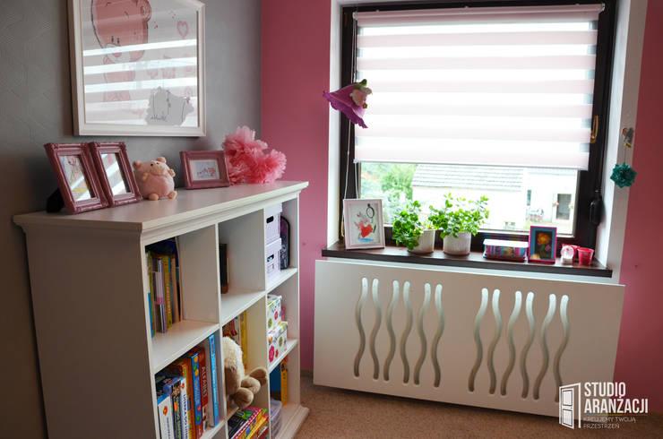 Nursery/kid's room by Studio Aranżacji Agnieszka Adamek