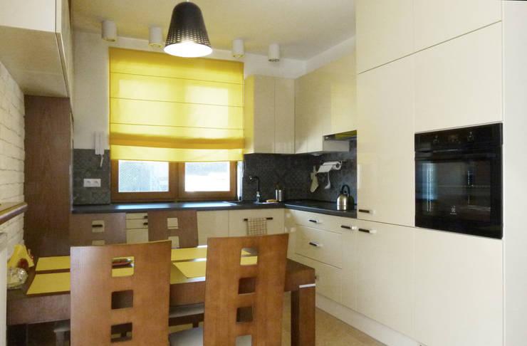 Dom dla dwojga: styl , w kategorii Kuchnia zaprojektowany przez DO DIZAJN  Dorota Szczygłowska