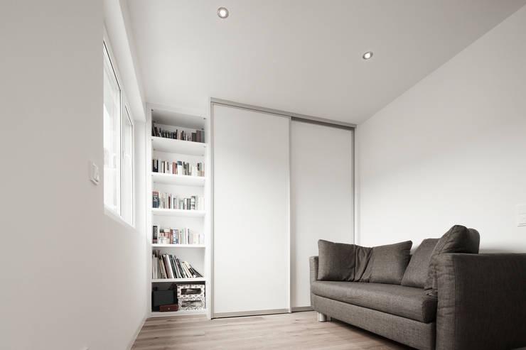 Гостиная в . Автор – HOME Schlafen & Wohnen GmbH