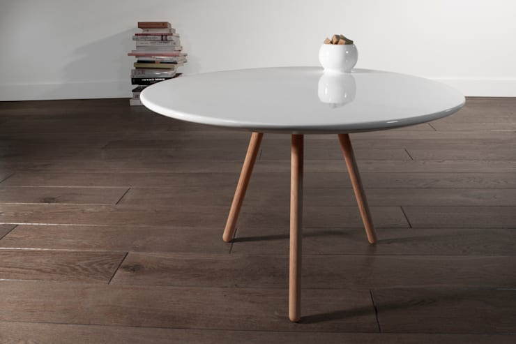 DOT TABLE: Salones de estilo  de Ahsayane Studio