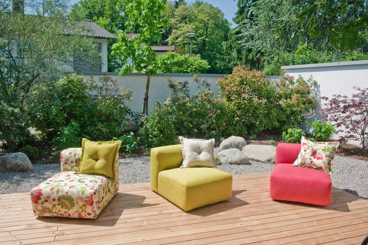 Sofa (nach Maß)… : modern  von HOME Schlafen & Wohnen GmbH,Modern
