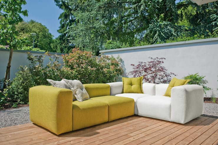 Sofa (nach Maß)...: moderne Wohnzimmer von HOME Schlafen & Wohnen GmbH