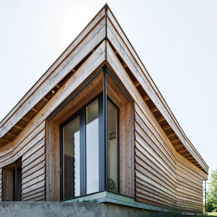 Maison papillon Projet à Yzeure:  de style  par gramillienarchitectures