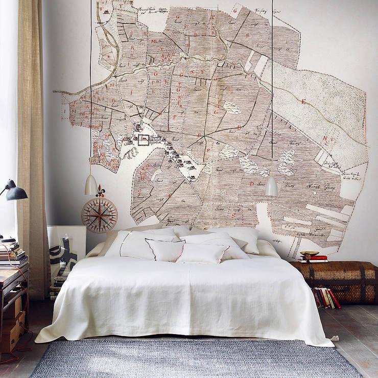 Walls & flooring by Tapeten & Uhren