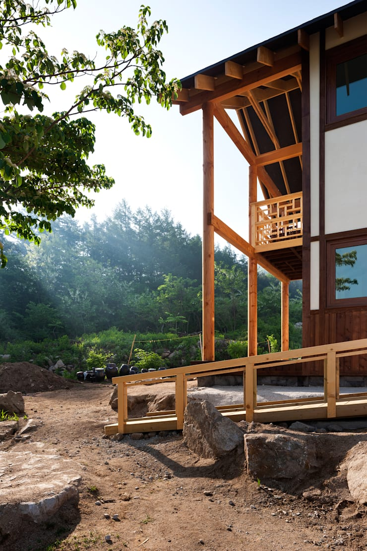 House in Geochang: studio_GAON의  주택