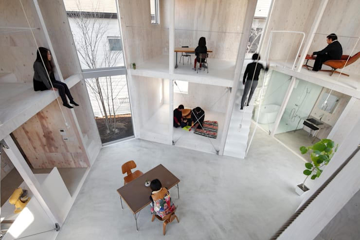 Sala da pranzo in stile  di 山﨑健太郎デザインワークショップ