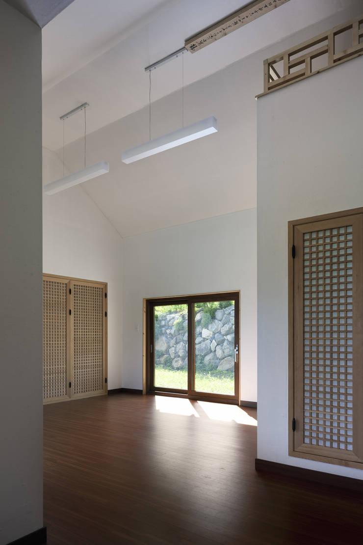 House in Macheon: studio_GAON의  주택,