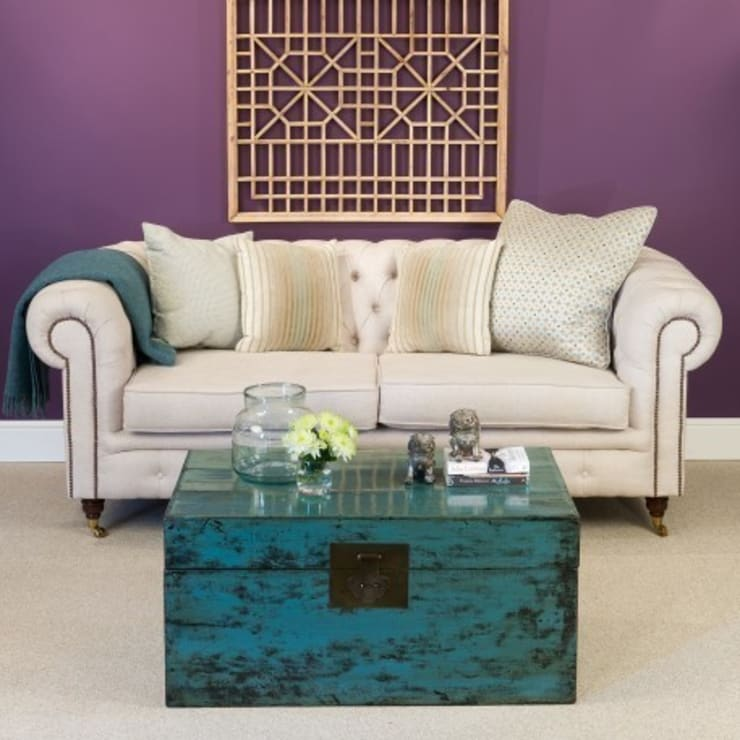 Teal Trunk:  Living room by Orchid