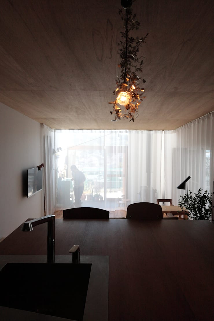 若葉台のいえ: akaza architectural design officeが手掛けた家です。