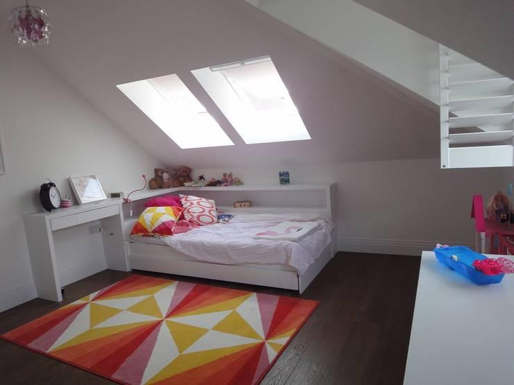 Arthan Furniture: klasik tarz tarz Yatak Odası