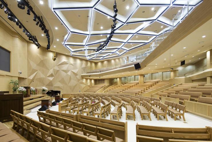 Shinchon church: 서인건축의