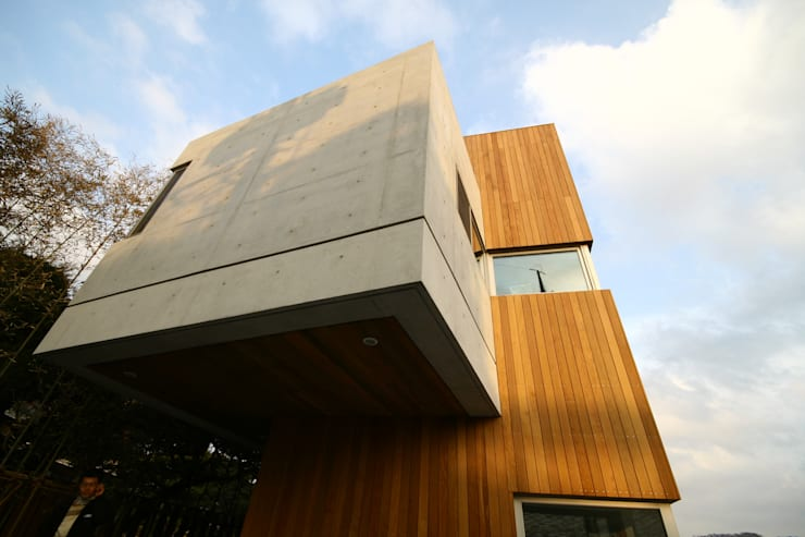 House 566: 서인건축의