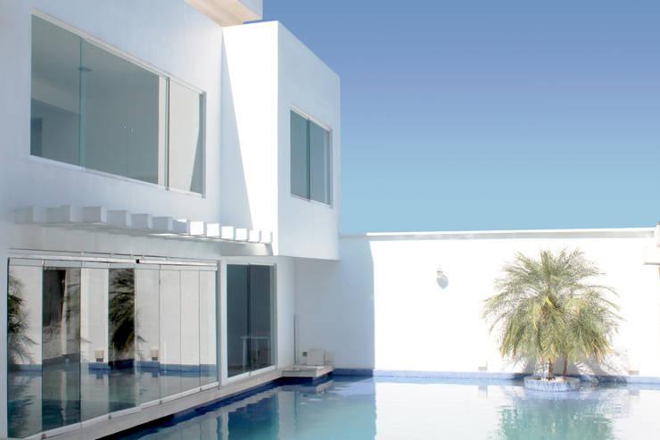 Projekty,  Gospodarstwo domowe zaprojektowane przez zerraestudio