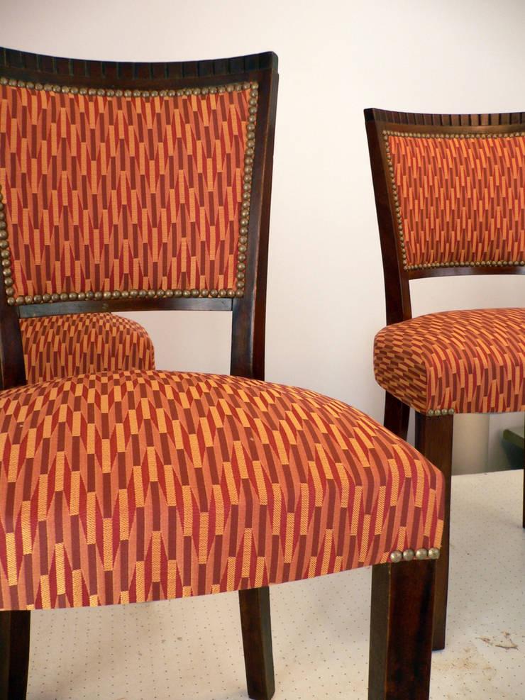 réalisation tapissier: Salon de style  par L'OTTOMANE