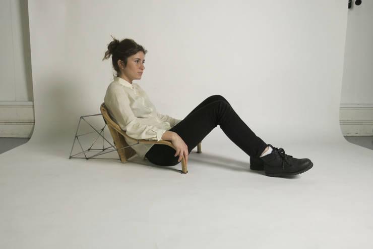ZAISU, chaise sans pied:  de style  par DAVID Lambert