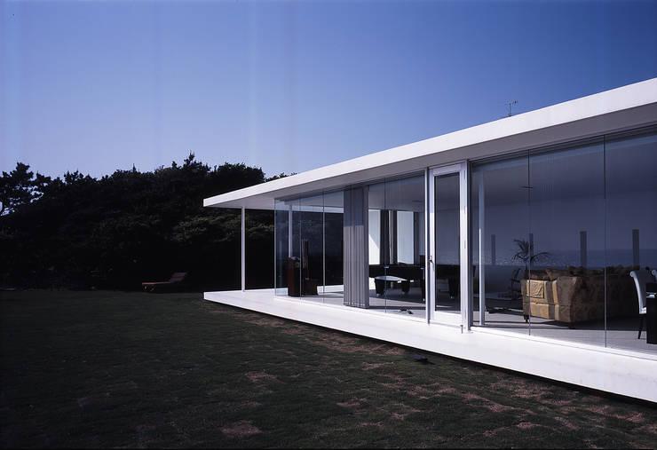 Maisons de style  par 株式会社仲亀清進建築事務所, Moderne