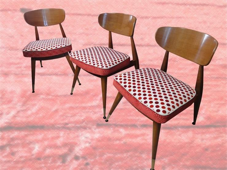 Chaises 1950: Maison de style  par Aux fils du temps