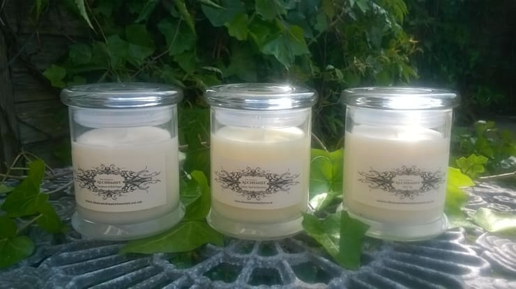 Dormitorios de estilo  por The Candle Alchemist
