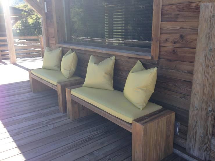 Chalet Atika: Terrasse de style  par RAINERI