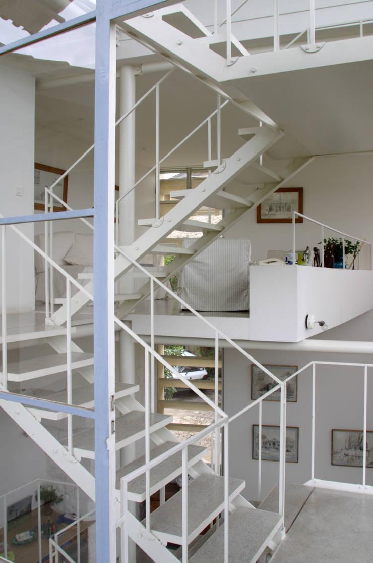 escalier: Maisons de style  par ateliers d'architecture JPB