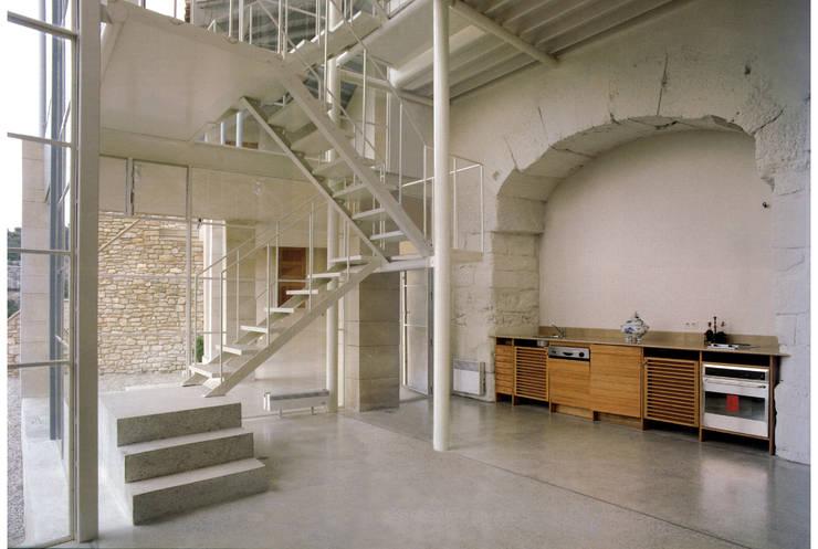 cuisine: Maisons de style  par ateliers d'architecture JPB