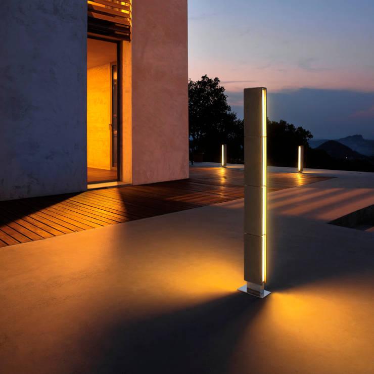 Gigia: Balcon, Veranda & Terrasse de style  par Cabelli France