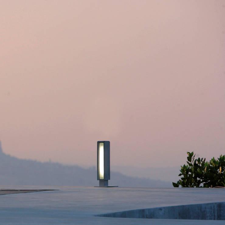 Gigia 30: Balcon, Veranda & Terrasse de style  par Cabelli France