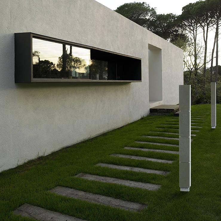 Gigia 120: Balcon, Veranda & Terrasse de style  par Cabelli France