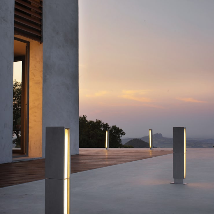 Gigia 60: Balcon, Veranda & Terrasse de style  par Cabelli France
