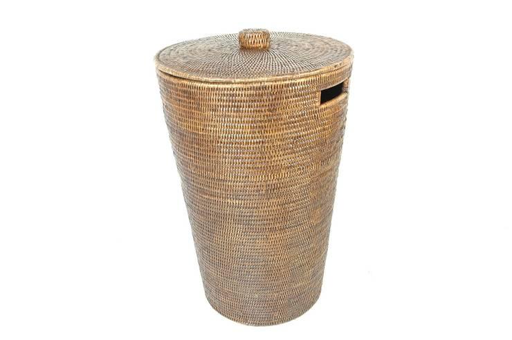 Panier à linge rotin marron: Salle de bain de style  par Baolgi