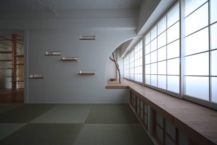 Cuartos de estilo  por nano Architects, Moderno Madera Acabado en madera