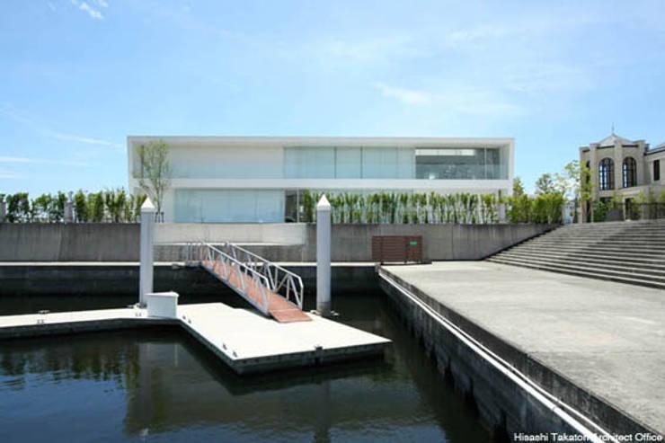 Sea Side House: 鷹取久アーキテクトオフィスが手掛けたビーチハウス・クルーザーです。