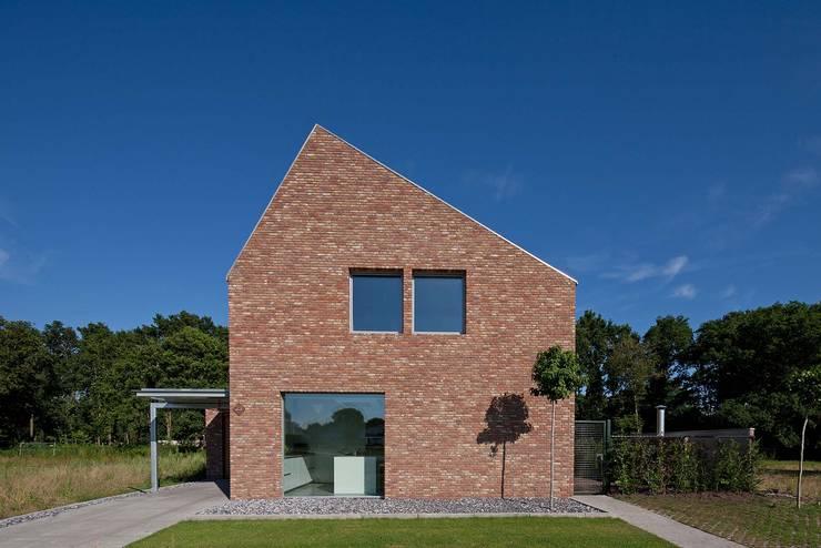 RielEstate:  Huizen door Joris Verhoeven Architectuur