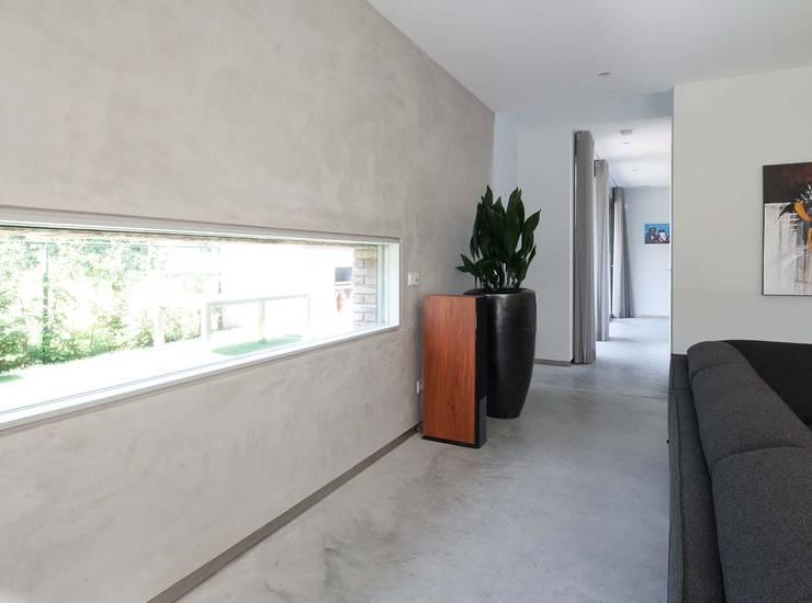 Ruang Keluarga by Joris Verhoeven Architectuur