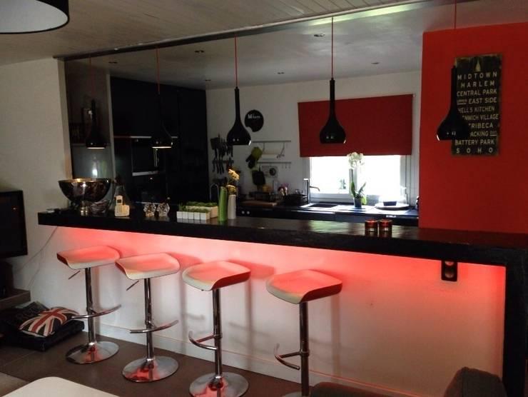 cuisine ouverte:  de style  par cbm interiors sas