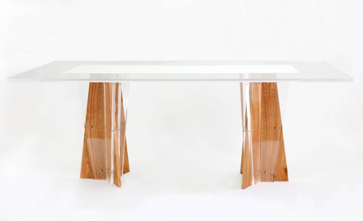 tavoli in rovere e plex di architetti Gismondi & Scarcelli   homify
