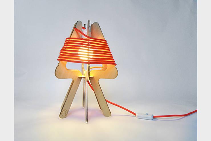 lampe moxie: Chambre de style  par Mélanie Thomas