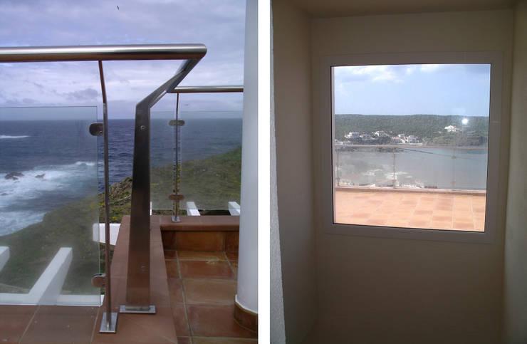 Balcón y ventana: Terrazas de estilo  de FG ARQUITECTES