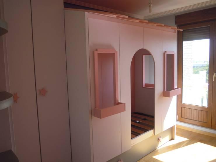Dormitorio-Casa-Nido: Dormitorios de estilo  de SQ-Decoración