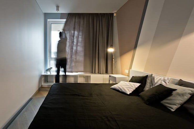 Black linen bedding by Lovely Home Idea:  Bedroom by LOVELY HOME IDEA