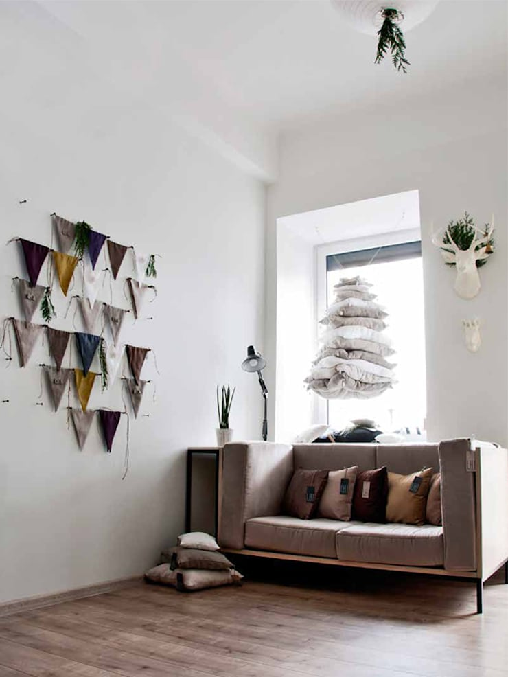 Linen fabric banner bunting by Lovely Home Idea:  Nursery/kid's room by LOVELY HOME IDEA